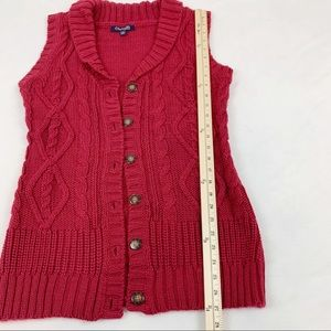 Cable knit sleeveless long cardigan button front